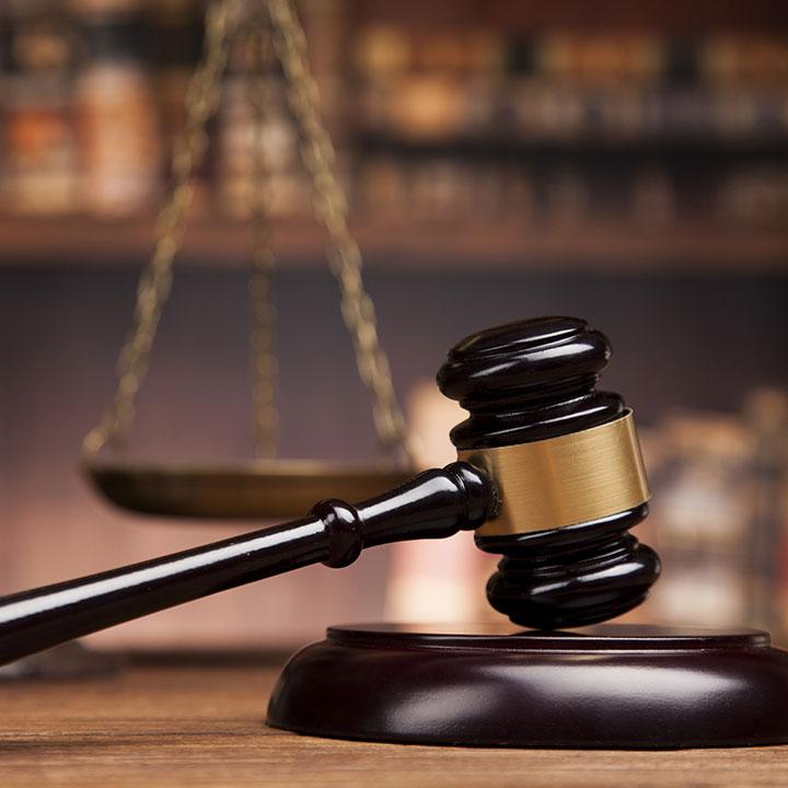 準拠法および裁判管轄について